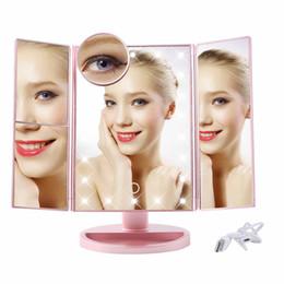 22 Pantalla táctil LED Espejo de maquillaje 1X 2X 3X 10X Espejos de aumento 4 en 1 Luces de espejo de escritorio plegadas en triple Herramienta de belleza de salud desde fabricantes