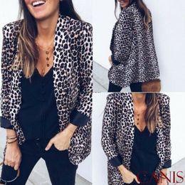 Cappotto da donna con cappuccio a collo alto con scollo a V con stampa leopardata da donna Casual Outwear High Street New Fashion da