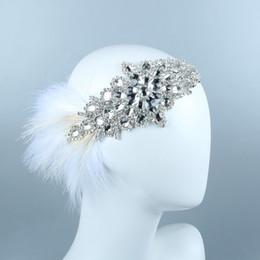 Gatsby crown on-line-Gatsby Pena Branca Headband Nupcial Luxo Prata Cristal Beading Gemstone Artesanal Noiva Headband Strass Faixas de Cabelo Coroa