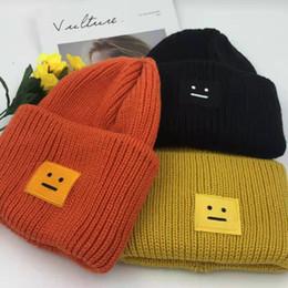cappelli di sorriso Sconti cappello design hip hop street casual maglia cappelli uomini e le donne di moda europee e americane ricamo cappelli di alta qualità volto sorridente tappo a freddo