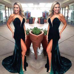 Canada Robes de bal sirène vert foncé simple émeraude longue et élégante sans bretelles robe de soirée sexy haute robe de soirée robe fendue 2019 robes de soirée supplier elegant dark green gowns Offre