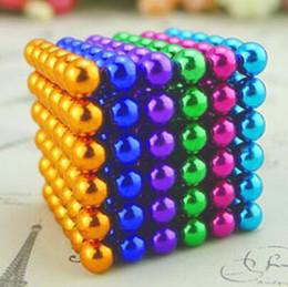 Imanes divertidos online-Bolas de 5 mm imán de neodimio Esfera 216pcs / set imanes creativos imanes de NdFeB mágica bola fuerte colorido dinero diversión del rompecabezas del cubo
