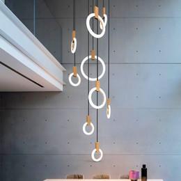2019 modernas lámparas largas para escaleras. Moderno LED araña nórdica sala de estar lámpara colgante accesorios del dormitorio iluminación de la escalera loft iluminación luces colgantes largas modernas lámparas largas para escaleras. baratos