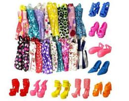 ch1234 Imballa e spedisci 10 pezzi di gonna bambola neutra + 10 paia di scarpe con tacchi alti 51 g di vestiti giocattolo da