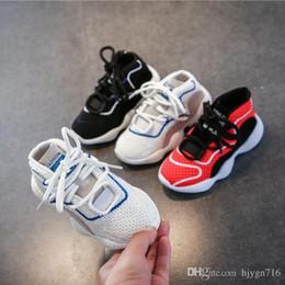 Children s fell running shoes online-Zapatos deportivos para niños zapatos para niños s 2019 otoño nuevo cuero niños ocio correr baloncesto baloncesto bebé red zapatos 26-37