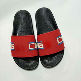 2019 Sandálias de flores tamanho Grande eur35-48 us13 Designer de sandálias de grife, chinelos de moda feminina flip flops de