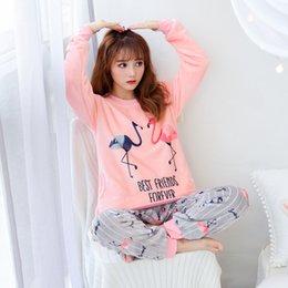 Lange Hosen Pyjama Set Nachtwäsche Pijama Hause Tragen Frauen Dessous Winter Warm Pyjama Runde Neck 2 Stück Flanell Nette Top Damen-nachtwäsche