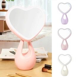Nouveau Réglable Maquillage Miroir Amour Coeur LED Table Éclairée Femmes Make Up Outil Miroir Compact Outil Cosmétique 2019 ? partir de fabricateur
