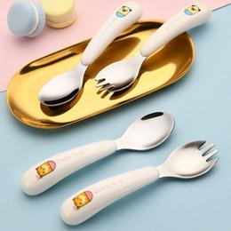 Set di forchetta del cucchiaio del fumetto online-Cartone animato per bambini Set di stoviglie portatile con scatola stoviglie Cucchiaio forchetta 2pcs set di posate per bambino di apprendimento da tavola utensili da cucina