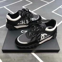 cff5eb8adeb036 2019 Nouvelle-France Marque En Daim En Cuir Casual Chaussures Femmes  Baskets Véritable Mode Mixte Tennis Couleur Sneaker Chaussure 35-45