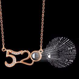 Collares número de colgantes online-Número 520 colgante 100 Idioma Te amo Oro Plata Collar de proyección partido de la joyería amor romántico memoria collar colgante favorecer GGA2717