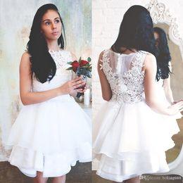 Vestidos brancos de casamento civil on-line-Elegante Branco Renda Vestidos de casamento Jewel Neck Lace apliques de Verão Civis Hippie vestidos de noiva comprimento do joelho Organza Ruffles vestidos de casamento