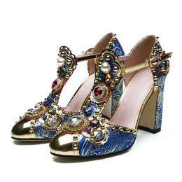2019 Moda Kırmızı Mavi Taşlar Ayakkabı Kadın Nakış Çiçek Elmas Tıknaz Yüksek Topuklu Lüks Kadın Normal Elbise Ayakkabı Pompalar nereden