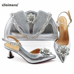schuh passende clutch taschen Rabatt Neueste Silber Farbe Royal Hochzeit Handtasche Spiel Nigerian Frauen Schuhe und Tasche Passende Set Afrikanische Schuhe und Match to Part