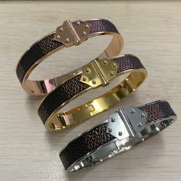 знаменитый мужской золотой браслет Скидка Высокое качество известный бренд 316 л нержавеющая сталь серебро золото Роза супер коричневый шашки кожа мужчины женщины 19 см двойной стрелка браслет Браслет