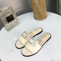 Zapatos hechos italia online-Diseñador de zapatos para mujer zapatillas de lujo rhinestone decoración impresa sandalias hechas en Italia paquete completo LOGO envío gratis 19 primavera y su