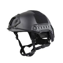 Deutschland Outdoor-Maske Vollgesichtsschutzmaske mit Stahlgitter Schneller taktischer Helm MH ist ein nicht poröses Outdoor-Feld für Armeefans supplier steel helmet Versorgung