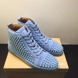 Голубые мужчины онлайн-Небесно-голубой замши шипы тапки красные подошвы мужская обувь, роскошный дизайн топ подарок красный нижний открытый прогулочные платья кроссовки высокого качества