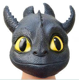 2019 mascara de entrenamiento para Cómo entrenar a tu dragón 3 máscara para la cabeza Niños adultos fiesta de Halloween cosplay Toothless Natural látex tocados Máscaras Juguetes mascara de entrenamiento para baratos