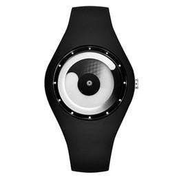 Наручные часы магазин онлайн-Мужчины Женщины Часы Candy - Цветные силиконовые без указки Модные творческие спортивные часы Man Электронные часы Водонепроницаемые часы
