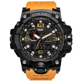 Canada 2019 nouveaux hommes d'affaires de luxe numérique montre cool lumineux électronique montres sport en plastique montre à quartz de mode populaire cheap cool plastic watches Offre