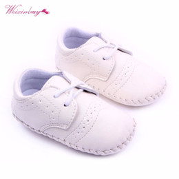 Marrone scuro online-WEIXINBUY 0-12M Cute Baby Boys Girls Prima Walker Toddler Lace Up Ecopelle antiscivolo Morbida Suola Scarpe Marrone Bianco Blu scuro