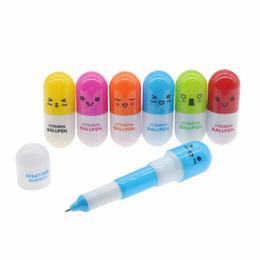 pillole di penne a sfera Sconti Penna a sfera a forma di pillola retrattile Kawaii adorabile Penna a sfera novità novità per studenti di cancelleria per apprendimento di vitamine Premio DHL gratuito