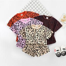 Tops de verão na moda on-line-Trendy Little Middle Girl Crianças conjunto de roupas de Leopardo impressão Casual Solto Colheita top + Shorts 2 pcs Outfits 2019 Verão