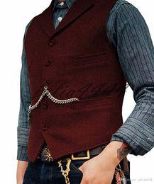 Chaleco marrón oscuro para hombre online-Chalecos de novio marrón oscuro 2020 Chalecos de novio de lana de espiga Chalecos de novio azul gris Bolsillos de chaleco Chalecos de traje de hombre Chaleco de padrino de boda de corte slim