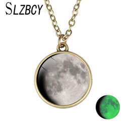 Pendant Necklaces Necklaces & Pendants Objective 2017 New Arrival Glowing Jewelry Full Moon Necklace Handmade Glass Dome Lunar Eclipse Necklace Glow In The Dark Pendant Jewelry