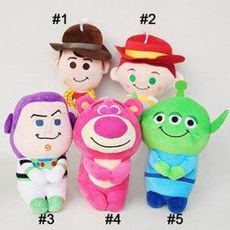 Anime Figura Toy Presente Menino Anime Brinquedos De Pelúcia Crianças Geral Mobilização Vaqueiro Sheriff Morango Urso Boneca de Pelúcia 20 cm MMA2315 de