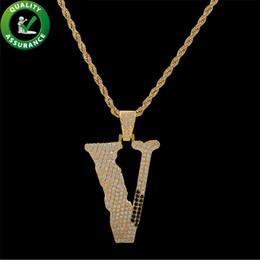 lettre v pendentif Promotion Mens Hiphop Bijoux Iced Out Pendentif Designer De Luxe Initiale Lettre Collier Mens Chaîne En Or Pendentifs Bling Diamant V Hip Hop Accessoires