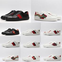 2020 Ace Designer Schuhe Männer Frauen Luxury Triple Black weißes Leder beiläufige Schuh Weinlese Stern Streifen Schlange Bee Turnschuhe Plattform