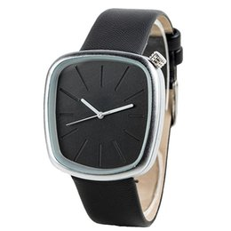 мужские часы Скидка LinTimes Стильный Женщины Мужчины кожаный ремешок квадратные Lovers Циферблат кварцевые часы Элегантные наручные орнамент подарок