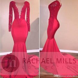 2019 sirena nera di sirena a basso indietro African Red Mermaid Illusion Prom Party Abiti 2019 Abiti da sera celebrità formale Tiered Ruffles Treno maniche lunghe Personalizzato