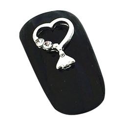 Uñas arte pegatinas decoracion hueca online-Nail Art Stud Etiqueta Parche Hueco Marco de Metal 3D Diy Decoración Amor Forma de Corazón Colgante de manicura Aleación Pegatinas de Plata 100 Unids