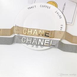 2019 brazaletes de oro baratos 18k pulseras Marca de marea Mujeres Clavícula Collares Moda Carta Adorno Niñas Pulseras Personalidad de la Boda Diseño Femenino Shinning Pendiente Conjuntos