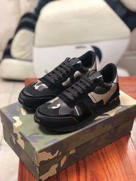 Sacos de couro de grandes dimensões on-line-Melhor qualidade Sapatos De Grife Sapatilhas de Plataforma Branca Reflexivo 3 M Sneakes de Grandes Dimensões Low top Formadores de Couro SZ 4-11 com saco de pó xg190726