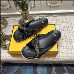 2019 sandalias negras gruesas talon Diseñador casual de señora sandalias planas zapatos mujer zapatillas calidad flip flop zapatillas de deporte entrenador mujer botas toboganes tamaño 35-42