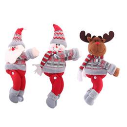 2020 Cena da árvore de Natal Decorações de Natal Dolls Natal Curtain Buckle férias Janela Disposição Cartoon Doll Buckle de Fornecedores de meias noivas de natal por atacado