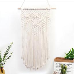 Tapisserie en corde de coton tricoté à la main avec des fleurs de papillons murales Résidence de style intérieur et extérieur suspendu Tapisserie en corde de coton de Bohême ? partir de fabricateur