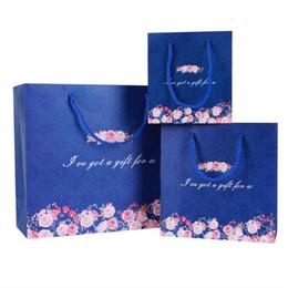 Festliche papiertüten online-New Navyblue Punkt und Floral Papiertüten Hochzeit Gefälligkeiten Süßigkeitskästen Handtaschen Make-up Taschen Party Geschenktüte Festliche Liefert hohe Qualität
