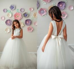 Zarif Aç Geri Çiçek Kız Elbise Ucuz Loong Tül Prenses A-line Kız Pageant Parti Kıyafeti Kız Örgün Gelinlik Büyük Yay ile Geri nereden