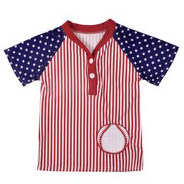 Baby Boy Camiseta Rayada Niños Béisbol Bordado Tops Estrellas Manga corta Camisetas con cuello en v Bandera estadounidense Día de la Independencia Día de Estados Unidos 4 de julio desde fabricantes