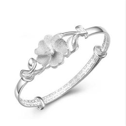 flor de plata mate Rebajas Pulsera elegante elegante del brazalete de la flor para las mujeres Pulsera de plata Brazalete de la flor Joyería fina del banquete de boda 0817ayq