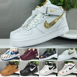 nike air force 1 one Venta al por mayor 2019 Nuevas Fuerzas Hombres Mujeres Low Cut One 1 Zapatos Blanco Negro Dunk Sports Skateboarding Shoes Classic AF Fly High Knit Sneakers desde fabricantes