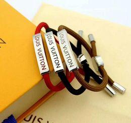 Jóias letras v encantos on-line-Hot V Forma cartas de jóias 3 cores Desginer Mulheres Bangles clássico charme pulseiras Carta Buckle estilo novo do bracelete Pulseiras