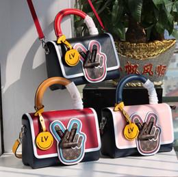 новый стиль плеча дамы дамы бесплатно Скидка Новый французский бренд Lolita Style женская сумка кожаная круглая шезлонг через плечо сумка женская повседневная сумка бесплатная доставка tt
