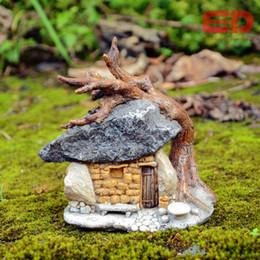 2019 giardino di sculture Everyday Collection Fairy Garden Artificiale Mini Sculpture Micro Landscape Arredamento nostalgico Decorazione esterna da giardino giardino di sculture economici