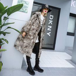 plus größe hip hop oberbekleidung Rabatt Übergroße Frauen Mit Kapuze Lange Trenchcoat Jacke Damenmode Leopard Plus Size Streetwear Hip Hop Mantel Windjacke Oberbekleidung